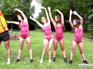 порно видео молодые групповое