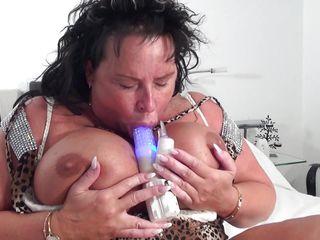 Жена дрочит мужу секс игрушкой
