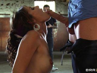 Порно огромный анал