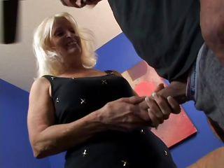 Порно бабушку в попу