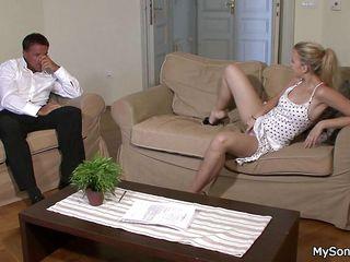 Порно пожилые с отвисшими титьками